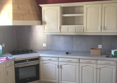 Nouvelles peintures pour les murs de la cuisine et remplacement des plans de travail